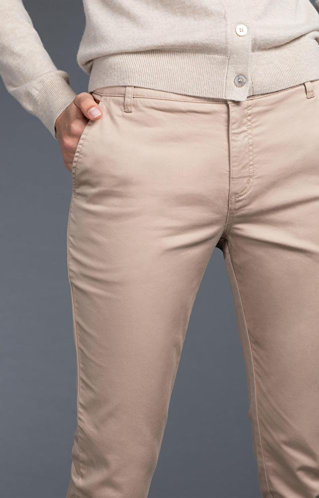 Beżowe spodnie damskie WÓLCZANKA