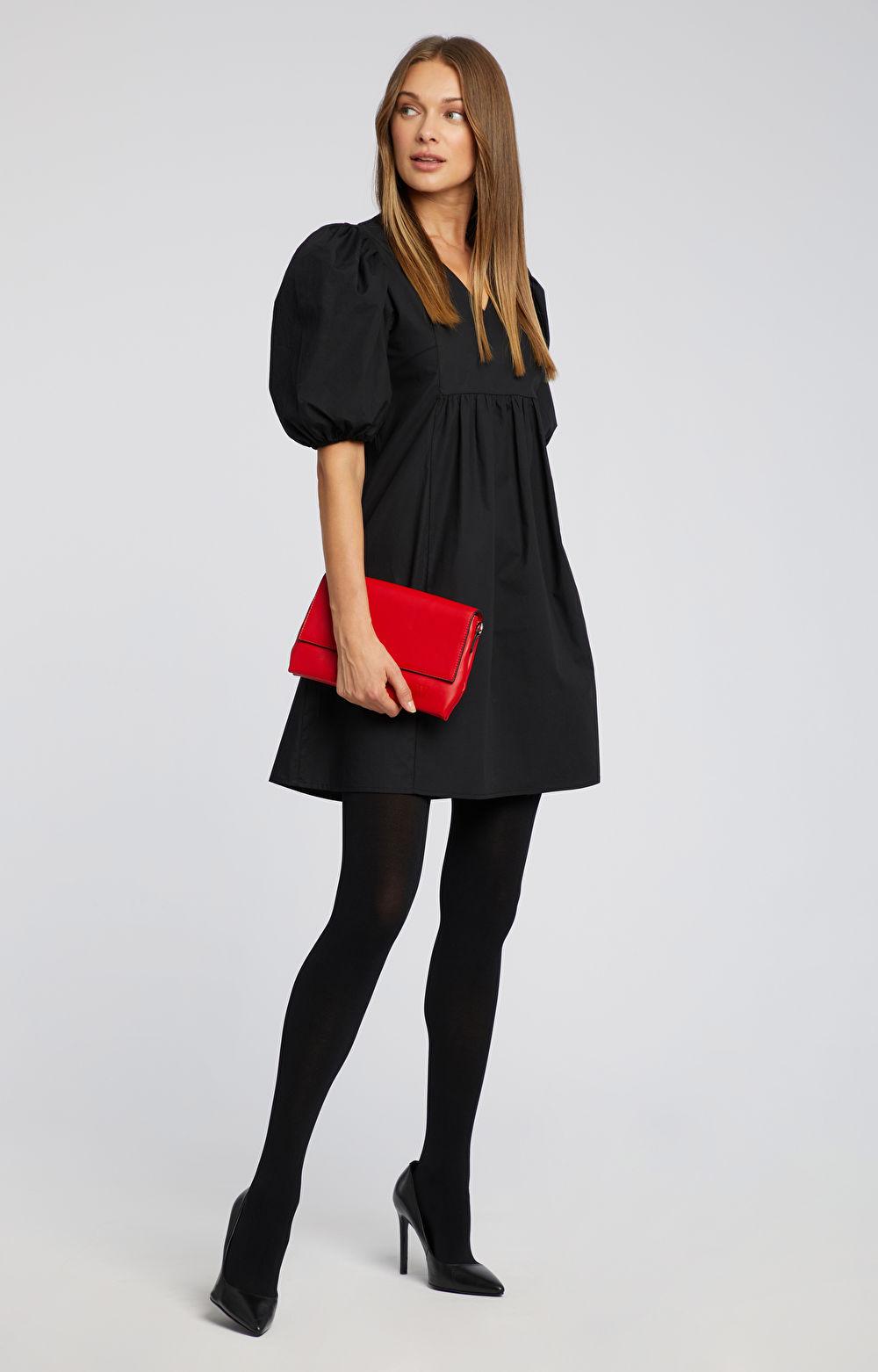 Sukienka z bufiastym rękawem