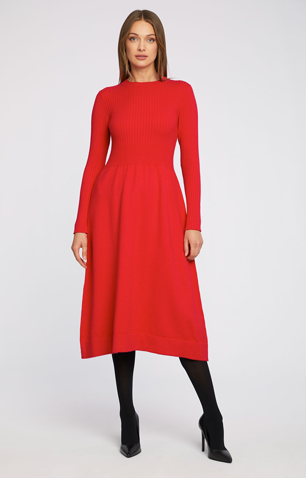 Dzianinowa sukienka w prążki