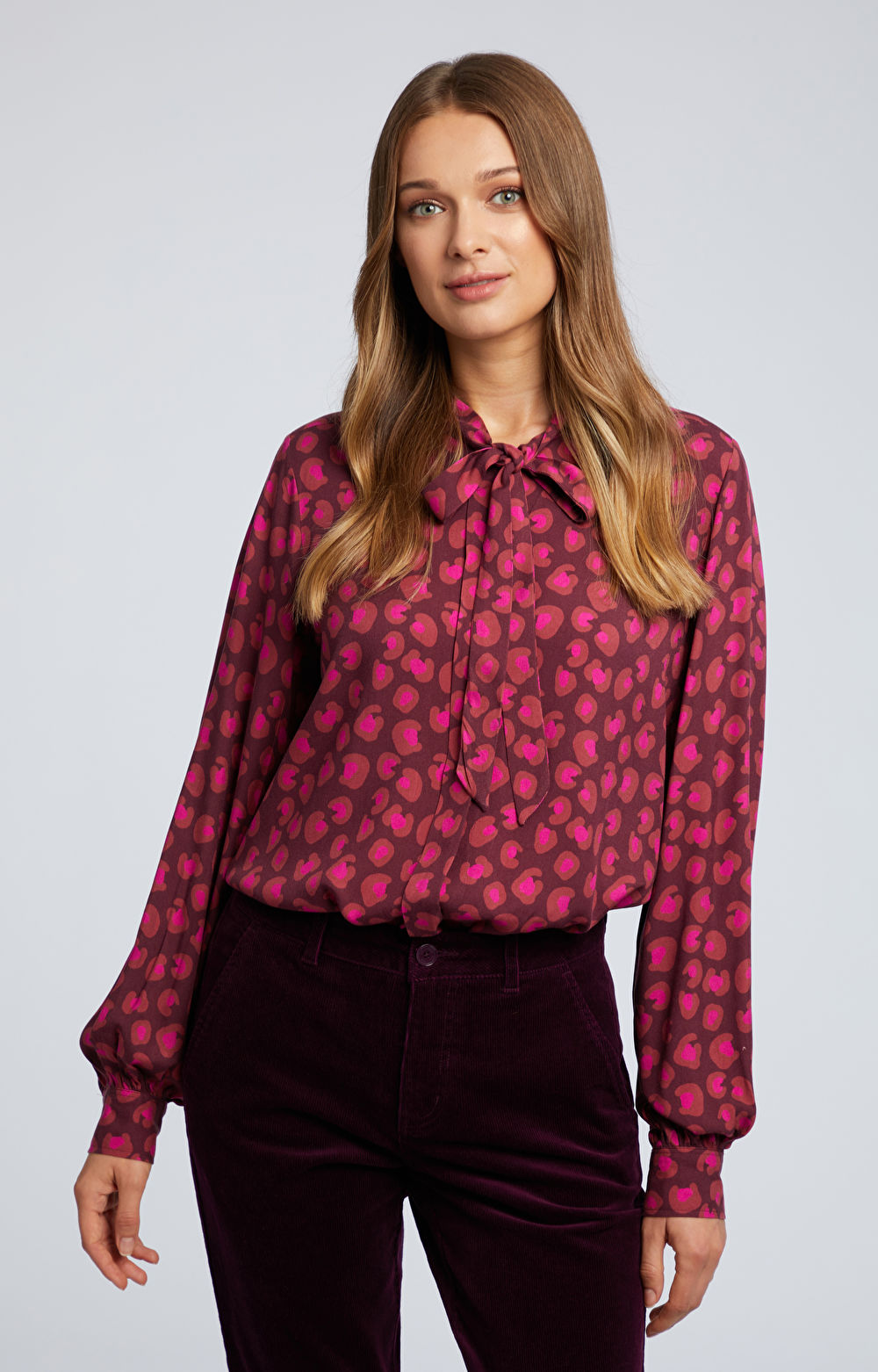 Wiskozowa koszula z kokardą
