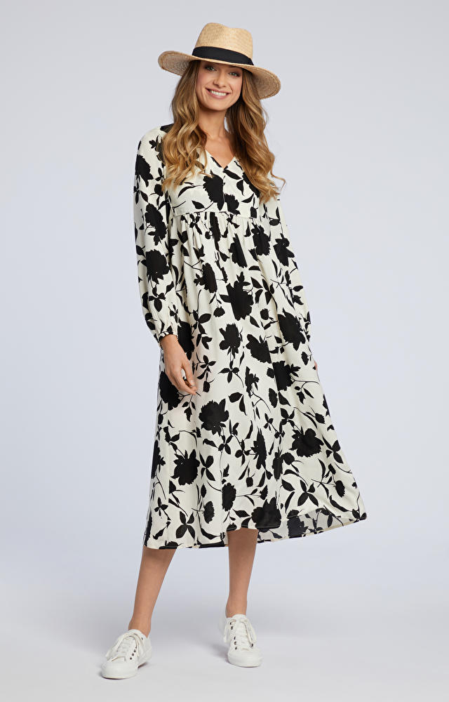 Śmietankowa sukienka WÓLCZANKA