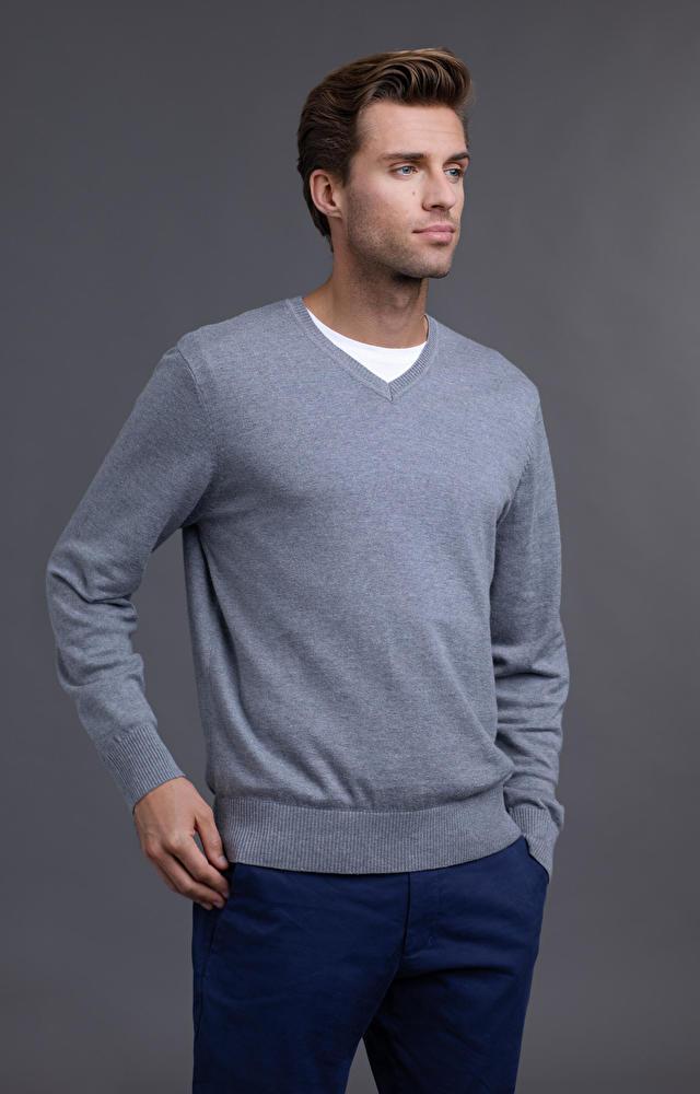 Szary sweter WÓLCZANKA