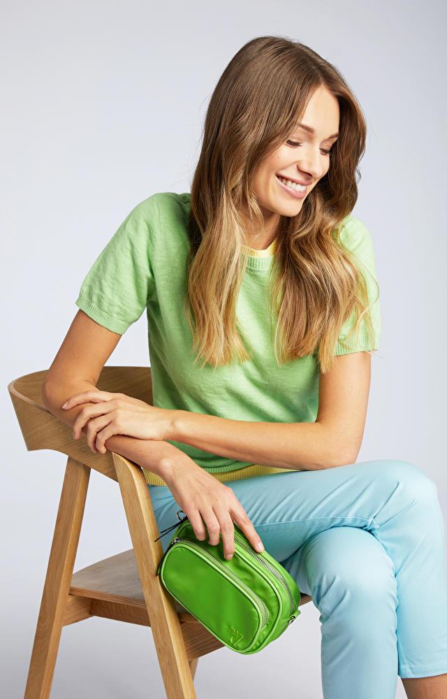 Zielony sweter damski WÓLCZANKA