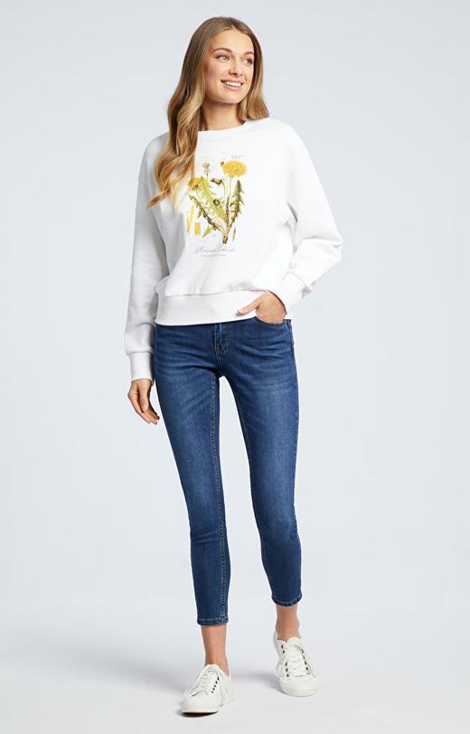 Biała bluza WÓLCZANKA