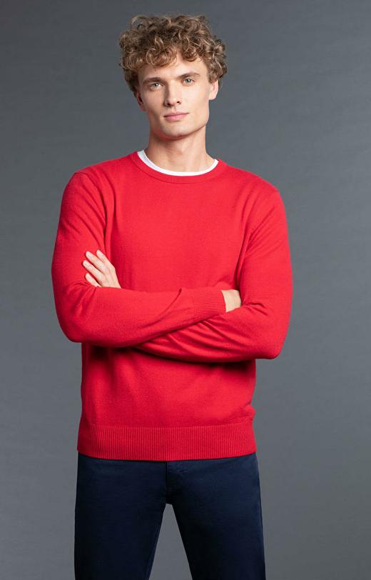Czerwony sweter WÓLCZANKA