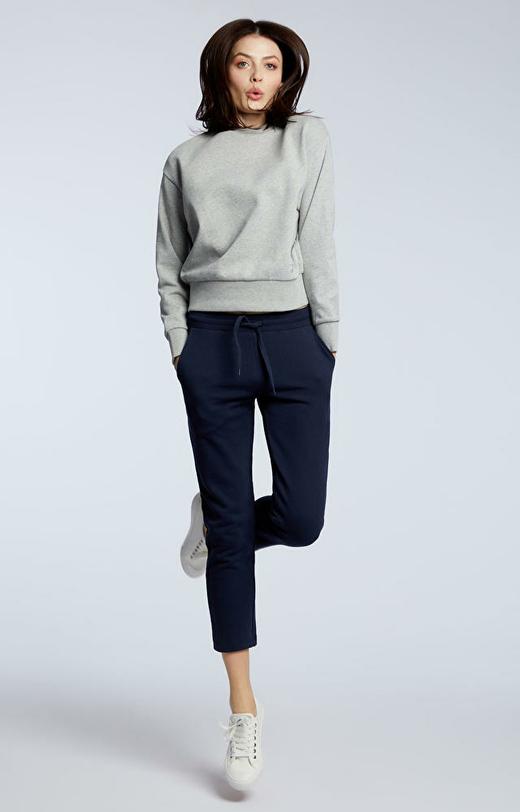 Granatowe spodnie dresowe WÓLCZANKA