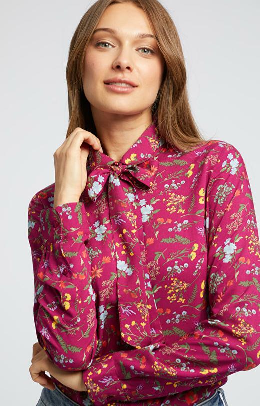 Koszula w kwiaty z dodatkową kokardą