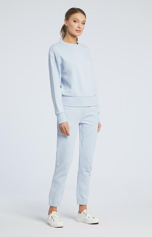 Niebieskie spodnie dresowe WÓLCZANKA