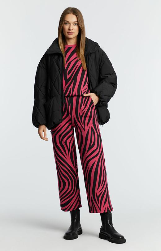 Spodnie dresowe w zebrę