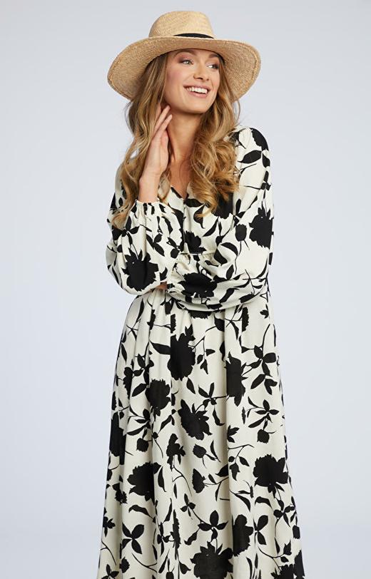 Kremowa sukienka WÓLCZANKA