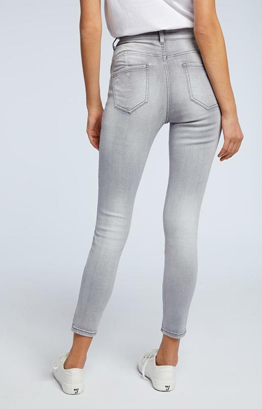 Szare jeansy WÓLCZANKA
